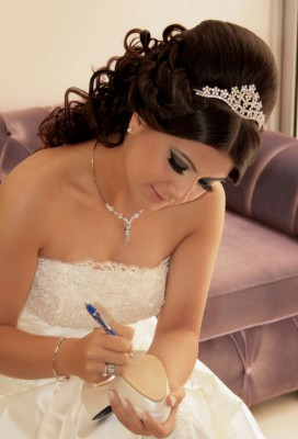 12-Most-Beautiful-Wedding-Hairstyles-for-Long-Hair-with-Tiara-2