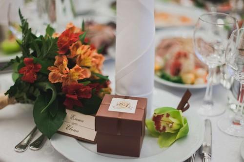 7ef3e099685283df8385e527f471439c-brown-alstroemeria-wedding-bouquet