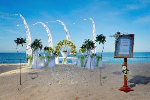 Nikko Bali Resort - Beach Wedding