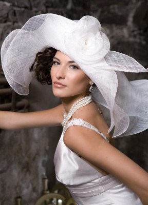 maybe-my-favorite-hat-of-all-c-the-bridal-show-pinterest