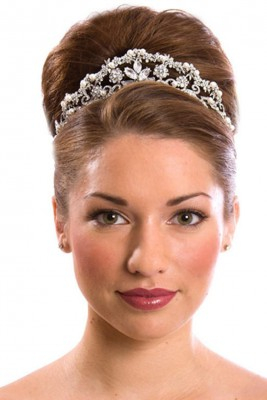new-and-amazing-range-of-wedding-tiara-2015-collection-14