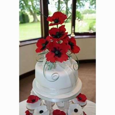 poppy-cake-topper