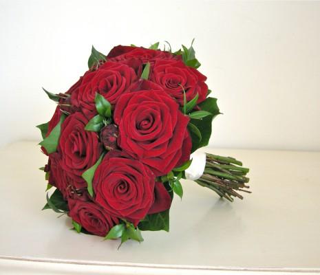 red-green-bouquet-grandprix-roses