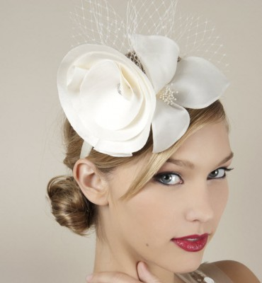 royal-wedding-hats-2011-wedding-trends-bridal-accessories-fascinator-french-net-swarovski-wedding-blog.original