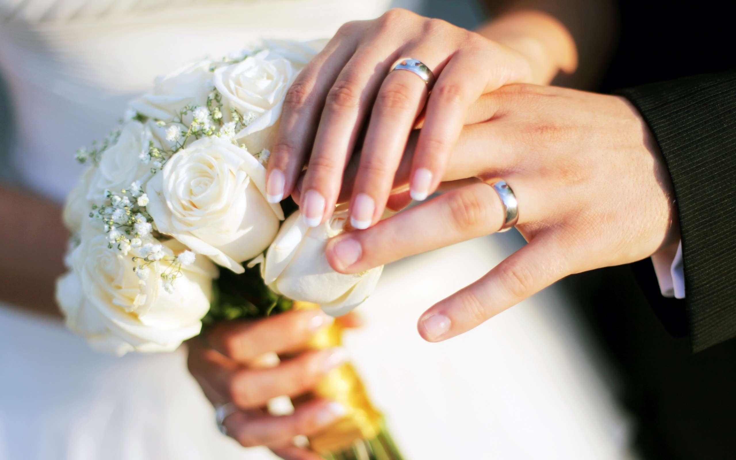 FqRSHvSoRsG07Sw9N2qK_bride-and-groom