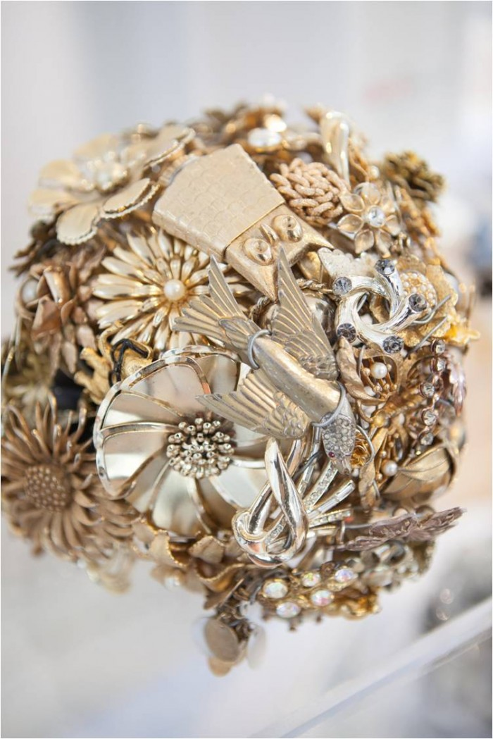 Gold-Brooch-Bouquet-from-The-Ritzy-Rose-700x1049