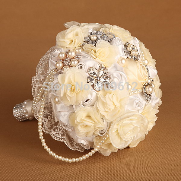 Hand-Made-White-rose-ivory-Silk-flower-font-b-Pearl-b-font-necklace-Rhinestone-Diamente-Brooch
