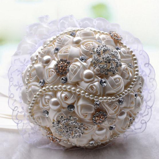 Ivory-Imitation-Pearl-Jewelry-Wedding-Bouquet-With-Ribbon-Rose-Flowers-Lace-Edge-Rhinestone-purple-bridal-bouquet