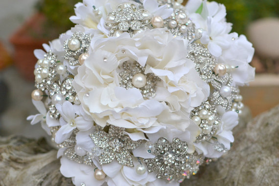 Large-Rhinestone-Pearl-Bouquet
