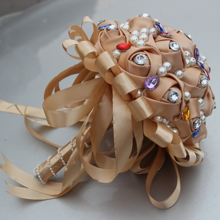 New-Fashion-Wedding-Bouquet-Handmade-sSilk-Roses-Pearl-Diamond-DIY-Creative-Bouquet-Holding-Flowers-Bride-Throwing