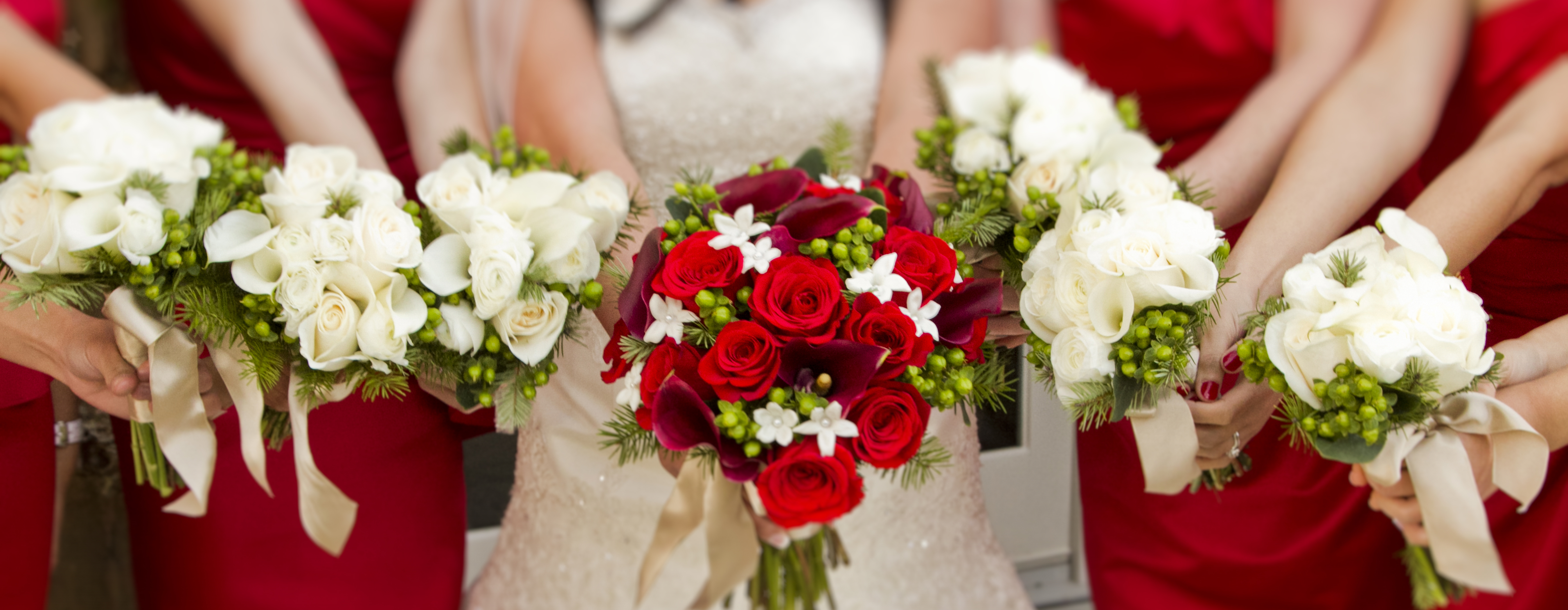 Red-roses-bridal-bouquet