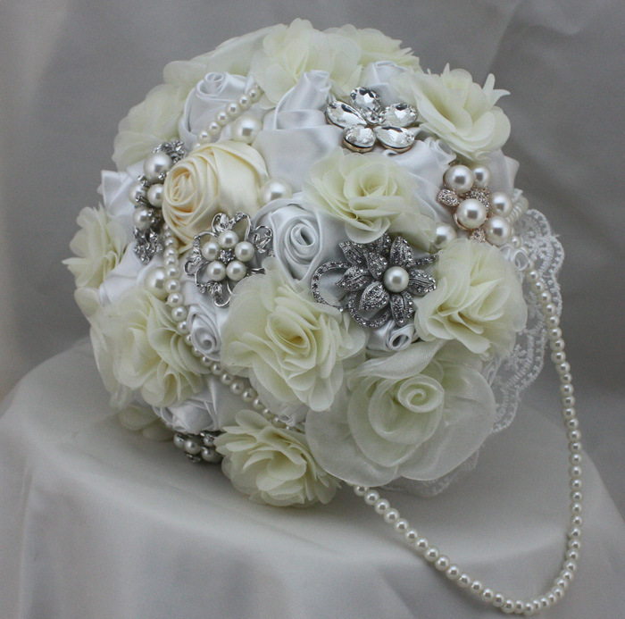 Wedding-bouquet-Europe-wind-Brown-and-white-mix-Luxury-Wedding-Bridal-bouquets-Shoot-the-bouquet