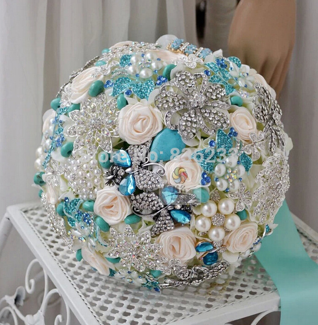 White-Rose-Wedding-Bouquet-With-Jewelry-and-Pearl