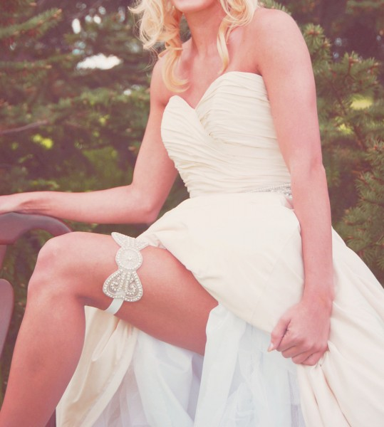 beaded-bridal-garter-bow-design.original