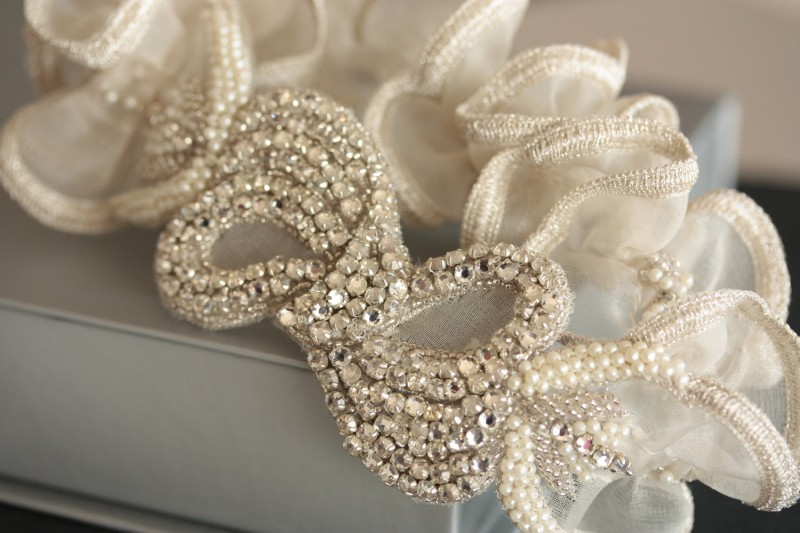 beaded-with-ruffles-wedding-garter