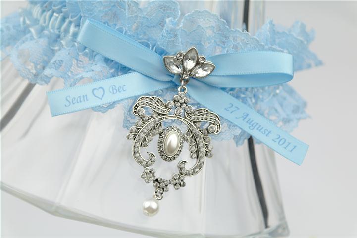 blue-royal-garter