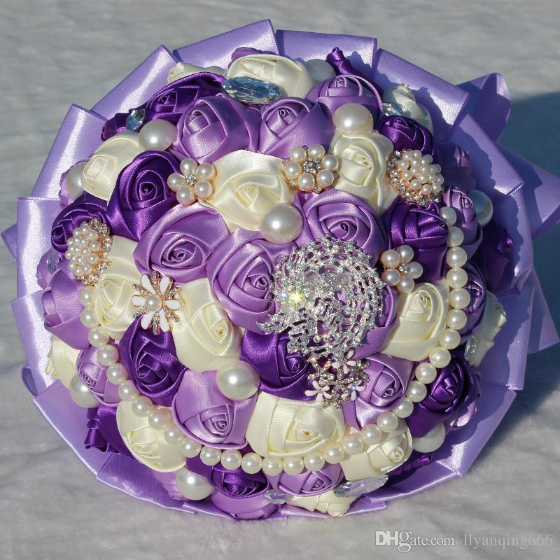 hand-bouquet-diamond-satin-ribbon-pearl-studio (1)