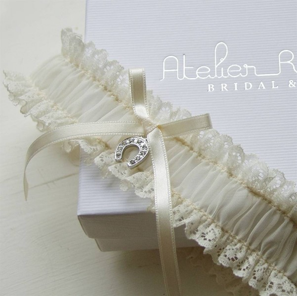 original_bonne-chance-lucky-horseshoe-bridal-garter