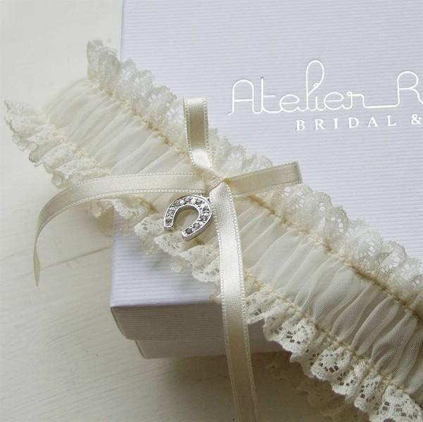 original_bonne-chance-lucky-horseshoe-bridal-garter