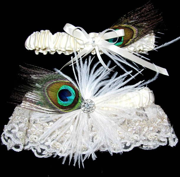 peacock-and-ivory-lace-bridal-garter-belt-set-1
