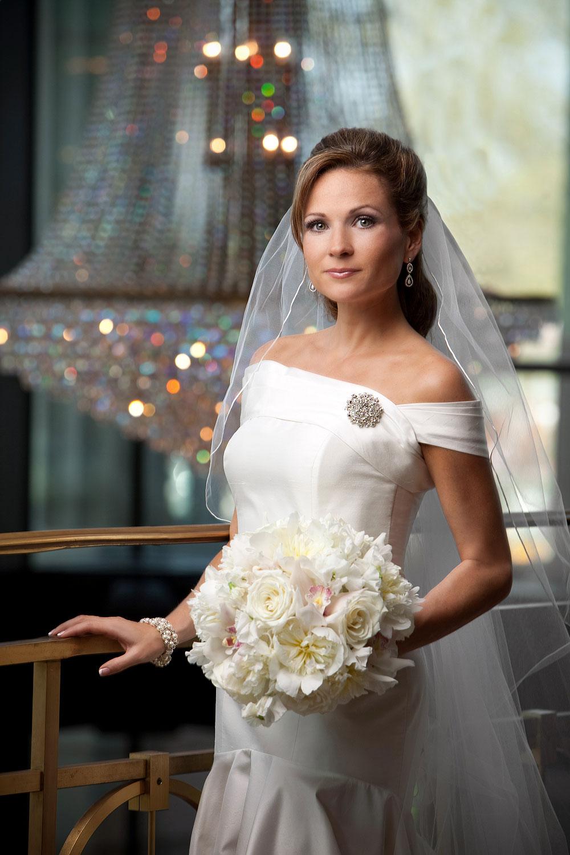 raleigh-memorial-auditorium-bridal-portrait-001