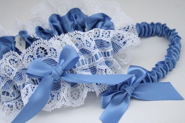 something-blue-wedding-garter-The-Garter-Girl1