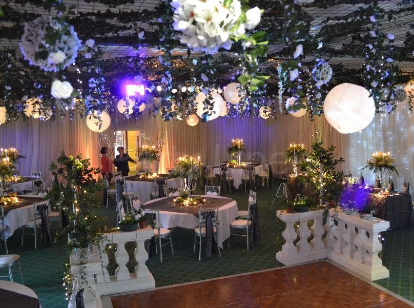 Flower-balls-paper-lanterns-wedding-ceiling-decor