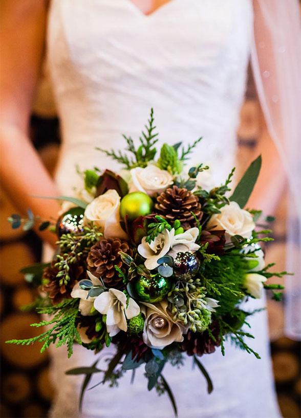winter-wedding-bouquet-07_detail